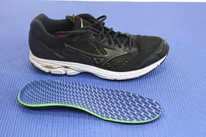 Shoes for pinky toe sprain and fracture pain